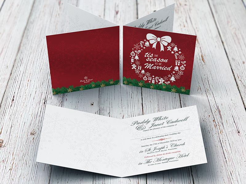 Xmas Wreath Red Folding Invite